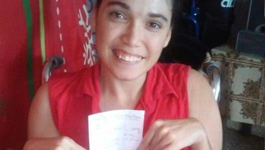 Joven con parálisis infantil solicita ayuda para comprar sus medicamentos