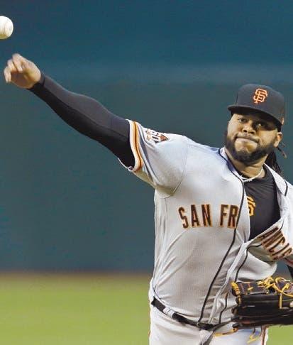 El dominicano Johnny Cueto reanudó su rutina de lanzamientos