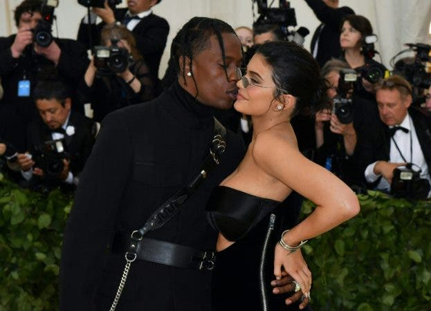 16. Kylie Jenner y Travis Scott