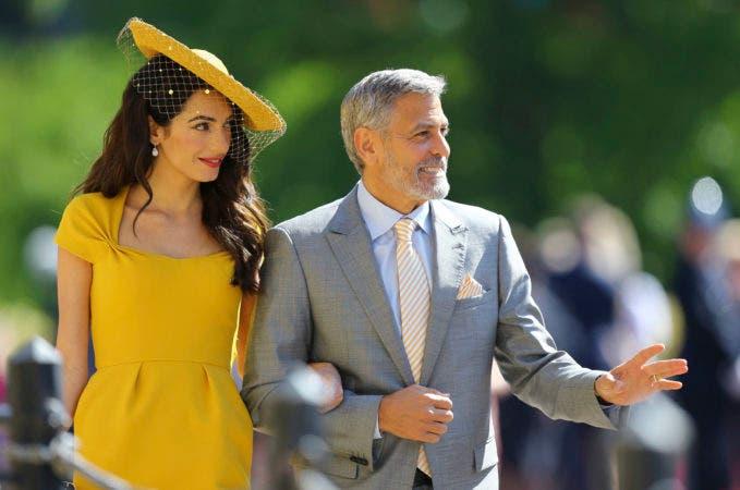 23. Amal Clooney y George Clooney  llegan a la boda del príncipe Enrique y Meghan Markle en la Capilla de San Jorge