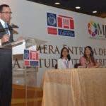 Ministro de Educación, Andrés Navarro.