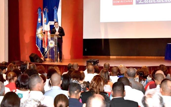 Navarro ve trascendental iniciativa de trasformar liceos en politécnicos