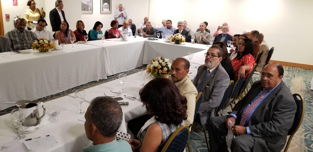 Las razones por la que el sistema de salud dominicano ha colapsado, según MiRD
