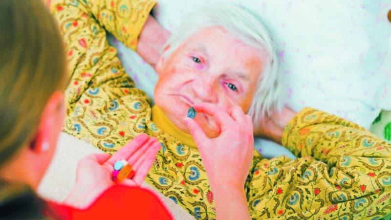 Los cuidadores deben recibir asistencia psicológica, terapias de apoyo y fortalecer sus emociones y su proyecto de vida.