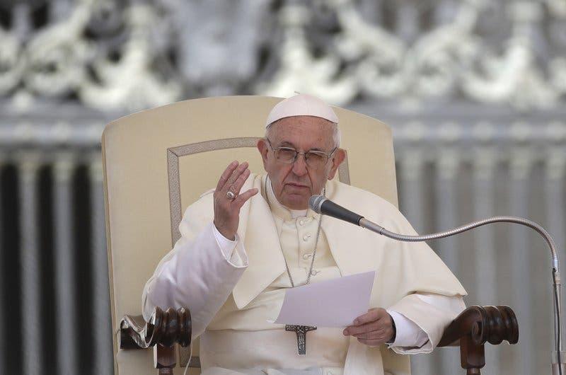 El papa pide el apoyo de la comunidad internacional tras tsunami en Indonesia