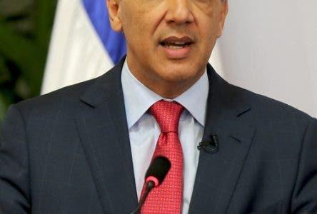El ministro administrativo de la presidencia José Ramón Peralta.Hoy/Fuente Externa 13/11/13