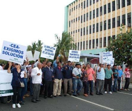 ANPA protesta frente al CEA por solares