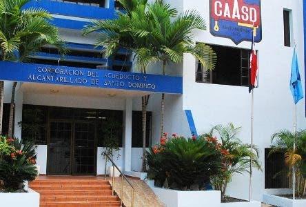 La Corporación del Acueducto y Alcantarillado de Santo Domingo (CAASD) informó que a partir de este martes 19 del mes en curso se procederá al desvío del tránsito vehicular en un área de la avenida Venezuela, debido a la construcción de un tramo de tubería de 48 pulgadas de diámetro.  Hoy/Fuente Externa 18/6/18