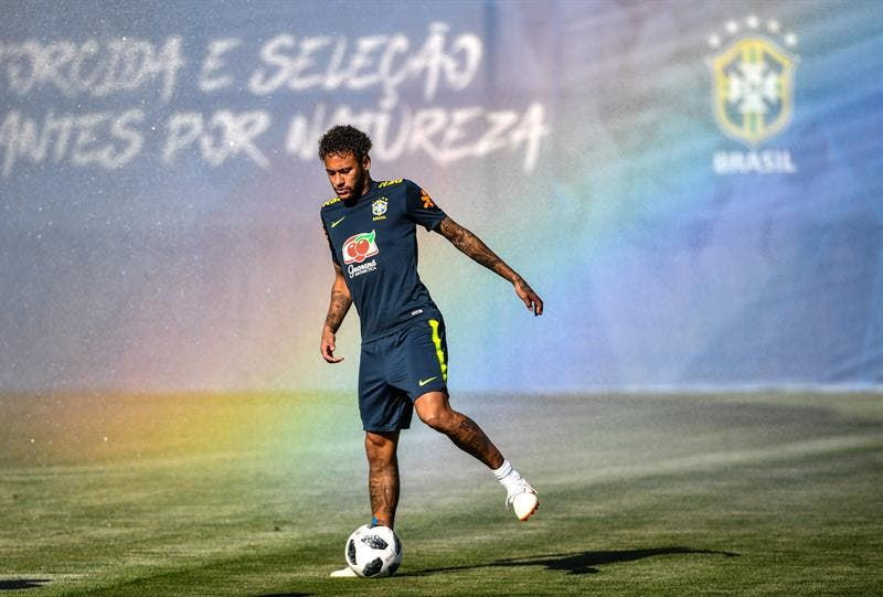 """Neymar dice que es """"el mejor"""", porque Messi y Cristiano """"son de otro planeta»"""