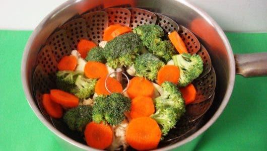 Cuatro  saludables recetas al vapor