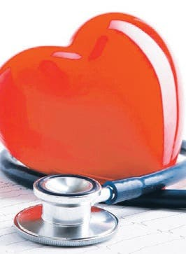 ¿De qué manera el riñón interfiere con la presión?