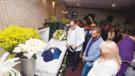 Varios merengueros asistieron a la funeraria, no así al cementerio