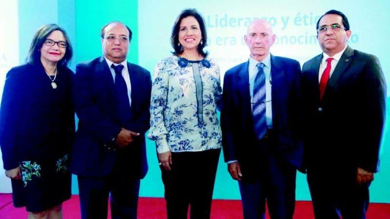 Altagracia Suriel, Andrés Merejo, Margarita Cedeño, Nicanor Ursua Lezaun y Ramón Rodríguez