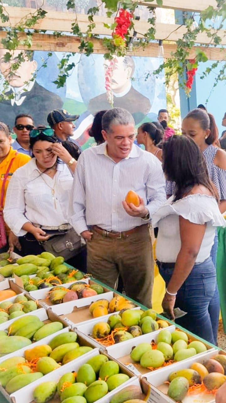 Amarante invita a los dominicanos a visitar feria del mango en Baní