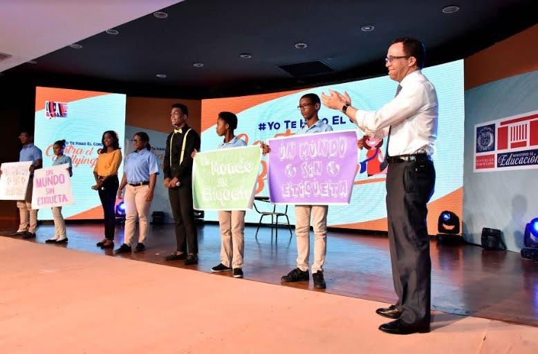 Navarro pone en marcha campaña integral para prevenir el bullying