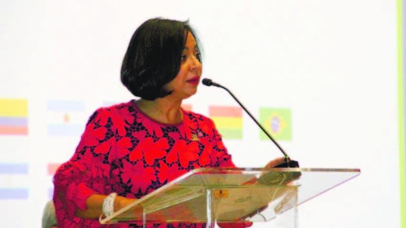 Anina del Castillo dijo que es imperativo trabajar para la inclusión de data sobre lesiones por productos