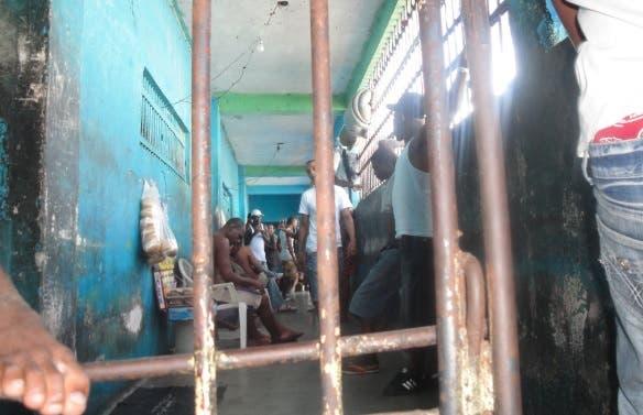 Coronavirus en RD ¿Qué pasará con los presos que necesiten medicinas?