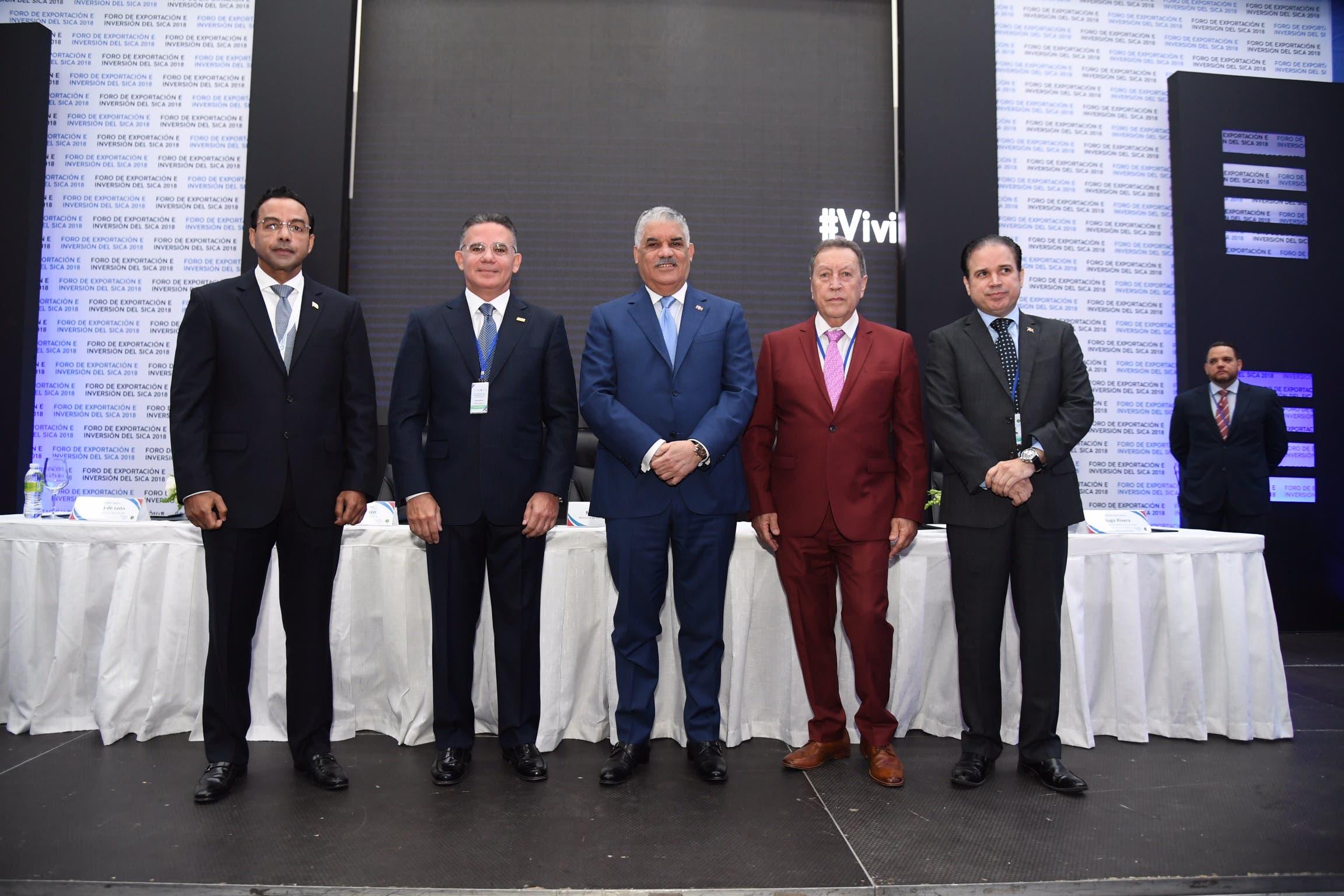 Miguel Vargas preside apertura Foro de Exportación e Inversión SICA con la participación de más 400 empresarios