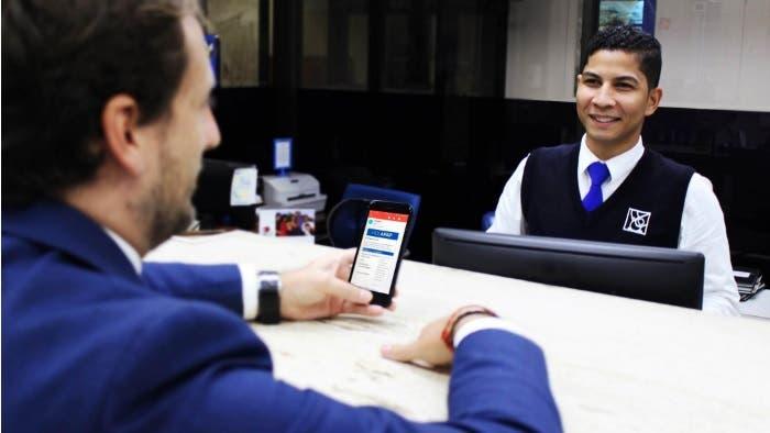 APAP primera institución financiera en introducir comprobantes digitales de transacciones en sucursales
