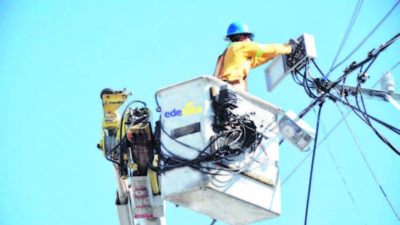 Edeeste recordó que trabaja en la rehabilitación de redes y mejoría del servicio de sectores de la capital