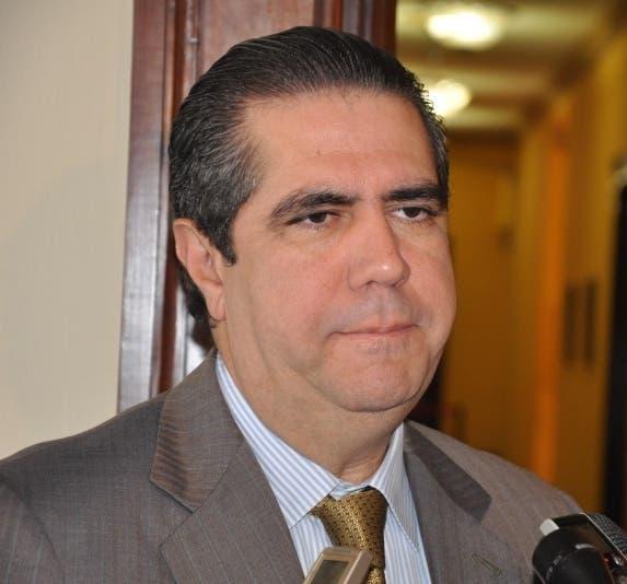 Ministro de Turismo lamenta fallecimiento de Joseito Mateo