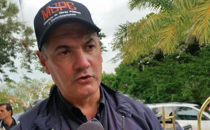 Gonzalo Castillo dice continuarán operativos de limpieza de puentes en la Capital