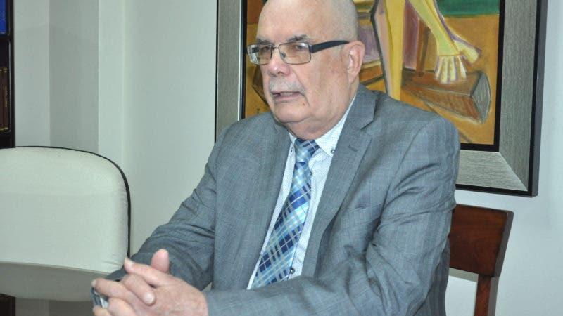 Entrevista al Sr. Roberto Cassá Bernaldo de Quirós ,  director general del del Archivo de la Nacion,  sobre la gesta del 14 de junio ,el legado que esta dejo a la sociedad dominicana .Hoy/ Arlenis Castillo