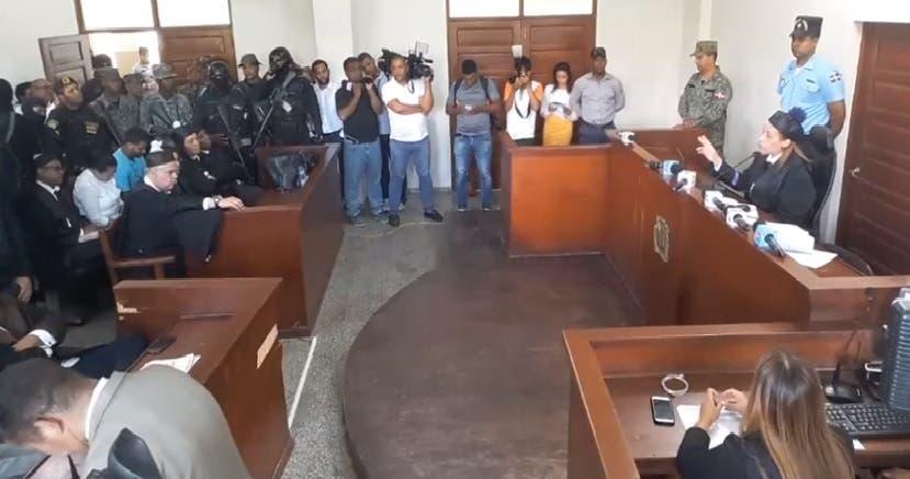 Jueza envía a juicio de fondo a Marlin Martínez y a su hijo Marlon por asesinato Emely Peguero