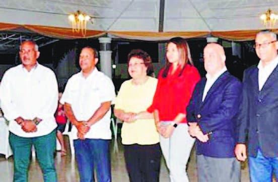 Juan Coronado junto a los demás miembros del Comité Ejecutivo