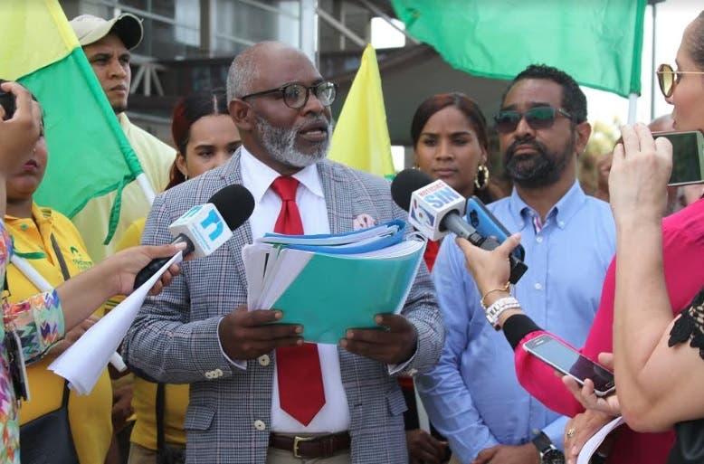 Frente Amplio pide someter a alcalde Alfredo Martínez por caso corrupción en OMSA