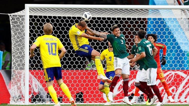 México cae 3-0 ante Suecia pero avanza a octavos en Mundial gracias a triunfo de Corea del Sur, que elimina a Alemania
