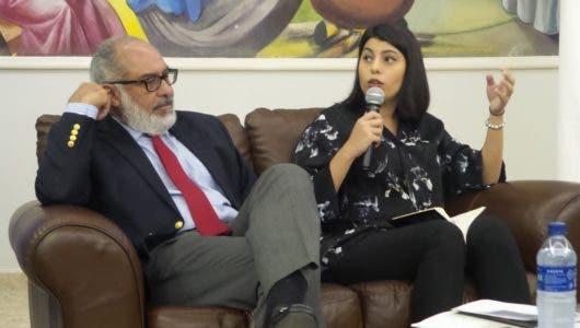 Persio Maldonado y Carolina Santana