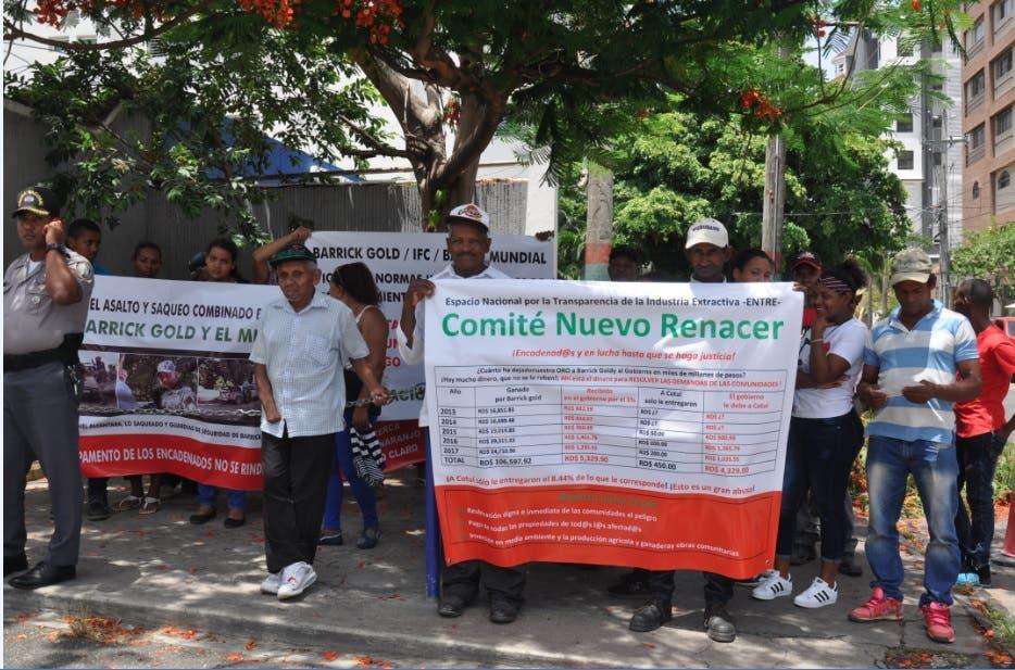 Residentes en zonas opera Barrick Gold protestan frente a Energía y Minas por reubicación
