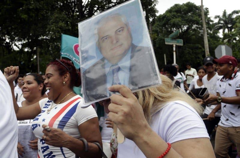 Comienza el juicio por espionaje al expresidente panameño Ricardo Martinelli