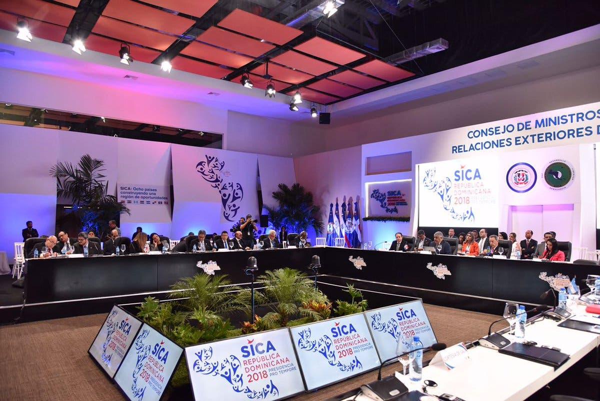 Miguel Vargas da inicio a reunión de ministros del SICA