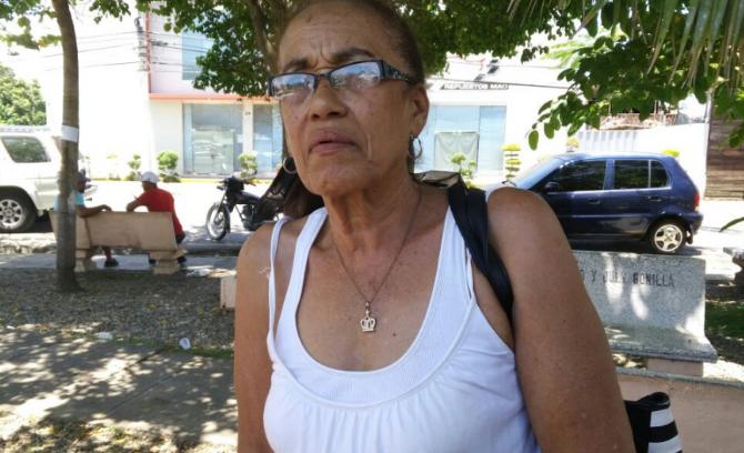 La increíble y conmovedora historia de una profesora que dice se quedará en la calle porque no le pagan pensión