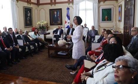 Fotos: Danilo Medina está reunido con funcionarios de instituciones que integran República Digital
