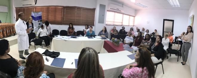 Maternidad de Los Mina realiza taller sobre el método «Madre Canguro»