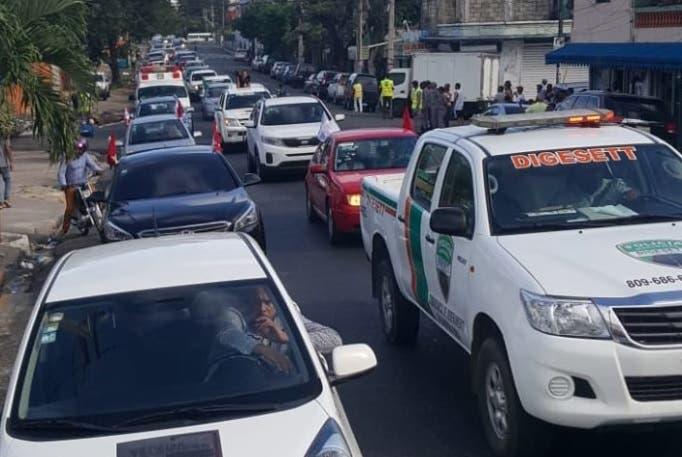 Cientos de conductores respaldan «carreteo contra alza precios de combustibles»