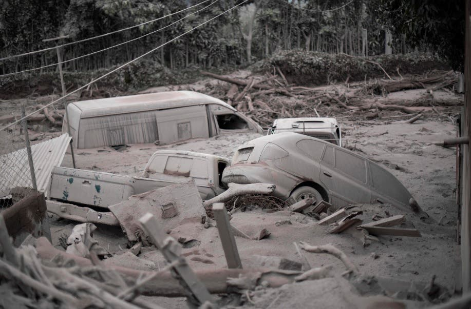 Suben a 62 los fallecidos por la erupción del volcán de Fuego en Guatemala