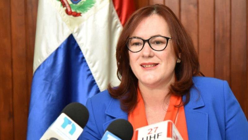 Ministra de la Mujer Janet Camilo exige mayor compromiso con la paridad. Fuente externa 30/07/2018