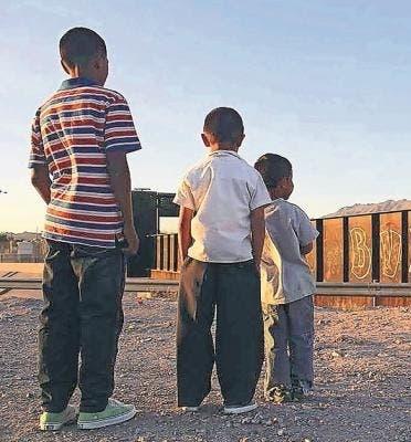 Rescatan tres niños que vivían en condiciones extremadamente precarias junto a sus padres en Villas Agrícolas