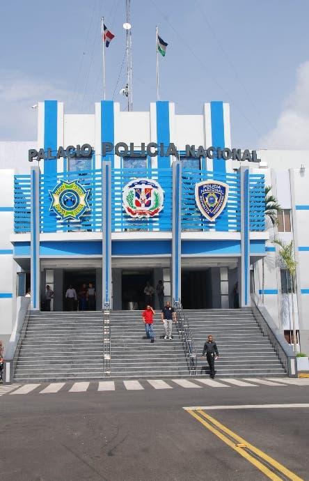 Apresan oficial de banco se transfirió más de un millón de pesos a su cuenta