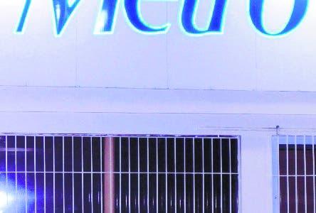 La Direccion Nacional de Impuesto Interno Clausura Transporte Metro de la Churchill, por evasión de impuesto. 16-07-18 Foto: José Adames Arias