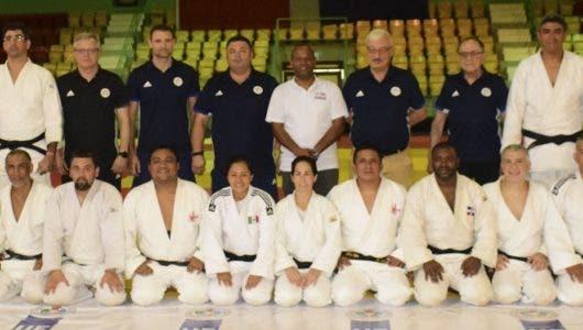 Certifican entrenadores de judo RD
