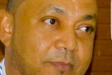 Un concejal denunció ayer que el director de la Junta Distrital de Las Palomas en el municipio de Licey al Medio,  Juan de León, canceló al personal de limpieza y rentó a particulares los  camiones del cabildo para la recogida de basura, sin el consentimiento ni la aprobación del Concejo de Vocales.El vocal Samuel Portes, del Partido Humanista Dominicano (PHD), dijo que la Junta tomó un préstamo de RD$5 millones. Hoy/Fuente Externa 10/7/18