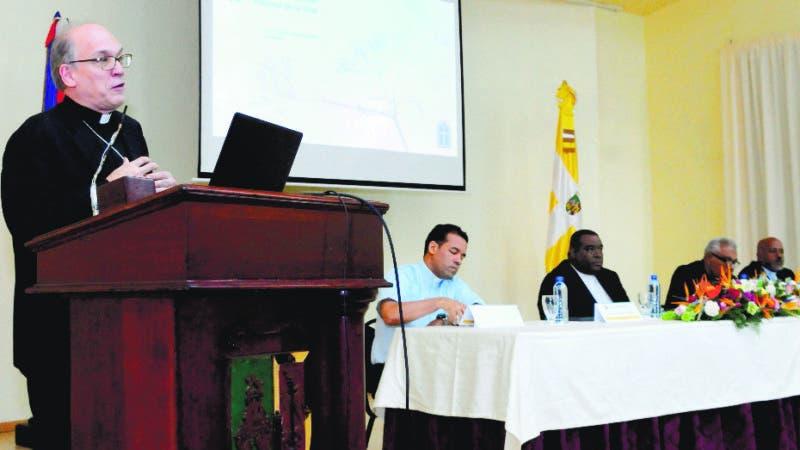 Comisión nacional pastoral de la vida presidida por Víctor Emilio Masalles, realizo conferencia sobre su posición en contra del aborto. 24-07-18 Foto: José Adames Arias.