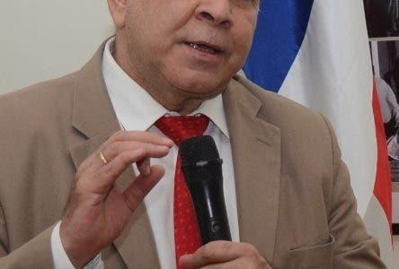 Mesa de Coordinación Nacionalista encabeza conferencia a cargo de Pelegrín Castillo en las intalaciones de la Biblioteca Nacional. En Foto: Pelegrin Castillo 17-7-2018 HOY / Ariel Gómez