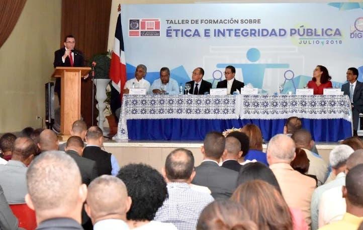 Exhortan a directores regionales y distritales trabajan en base al ejemplo