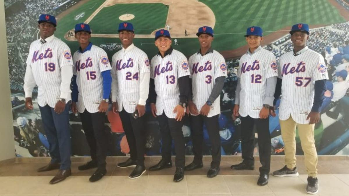 Resultado de imagen para firma internacional MLB